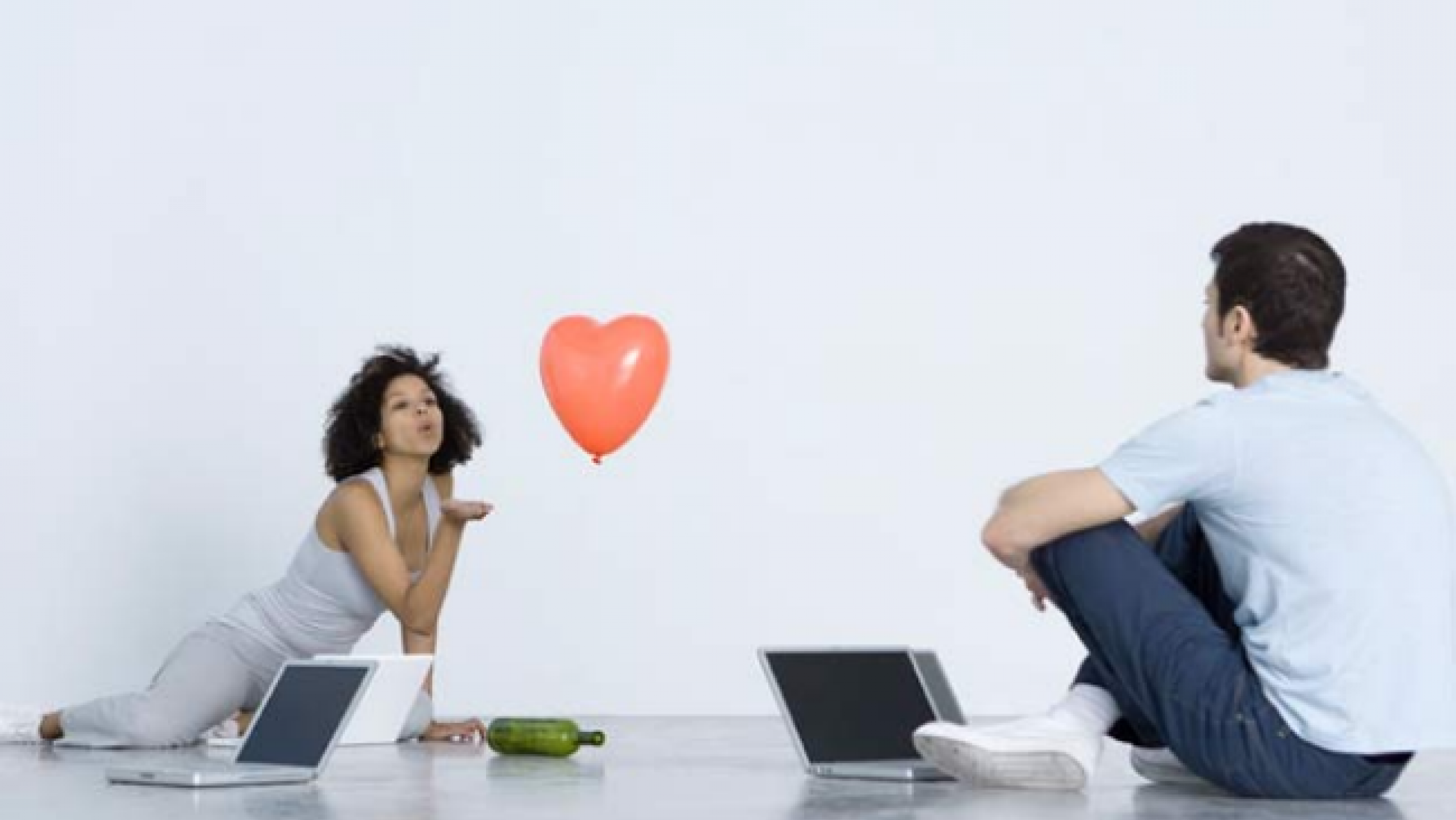 Computer-mediated communication and online dating